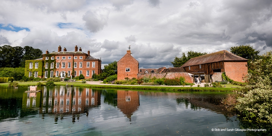 Wonderful Waterside Wedding Venues | CHWV