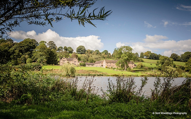 The Ashes barn wedding venue in Staffordshire | CHWV