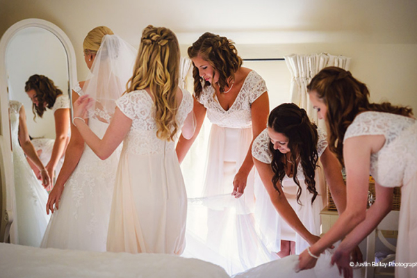 Bride and bridesmaids getting ready in the Apple Loft cottage
