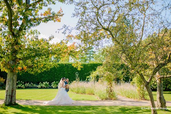 Outdoor Wedding Venue In Epping Essex: Barn Wedding Venues Essex