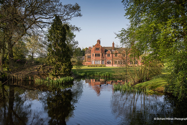 Lake and front of hall at Colshaw Hall wedding venue in Cheshire | CHWV