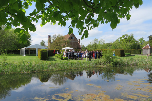 The lake at Crows Hall wedding venue in Suffolk | CHWV