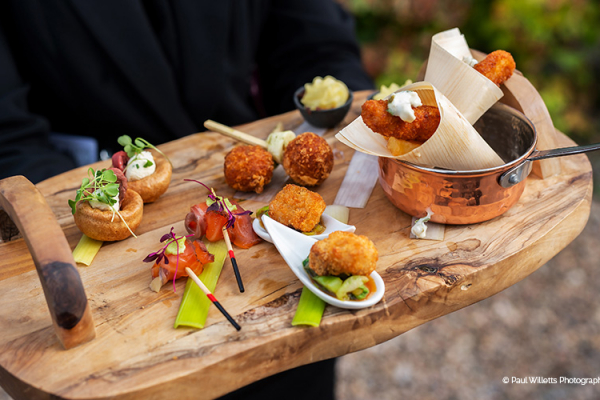 Drinks reception canapes at Curradine Barns wedding venue in Worcestershire | CHWV