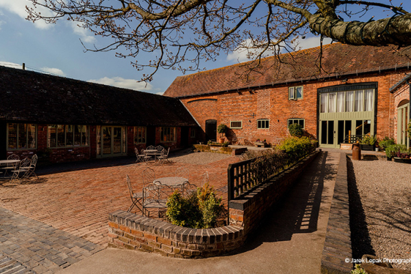 Curradine Barns | Wedding Venues Worcestershire