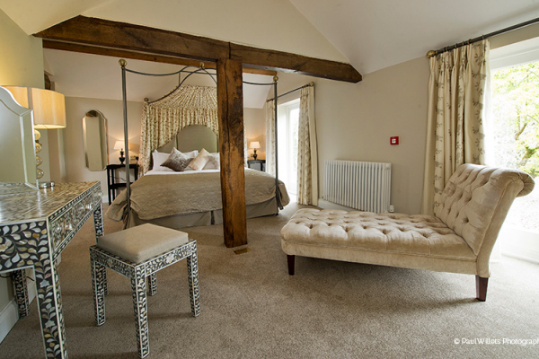 The Honeymoon Suite at Curradine Barns | Wedding Venues Worcestershire