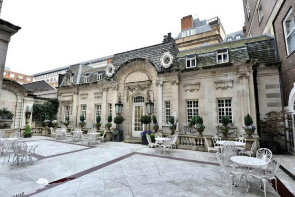 The Courtyard at Dartmouth House wedding venue in London | CHWV