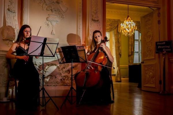 A String Duo at the Top Landing at Dartmouth House wedding venue in London | CHWV