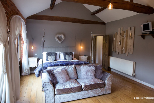 The Honeymoon Suite at Dodmoor House wedding venue in Northamptonshire | CHWV