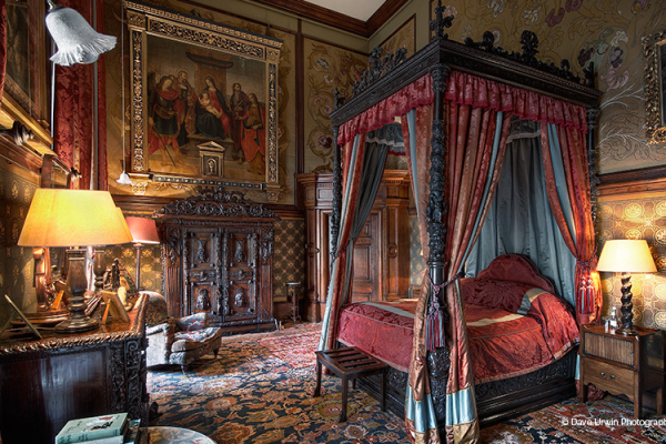 The State bedroom at Eastnor Castle wedding venue in Herefordshire | CHWV