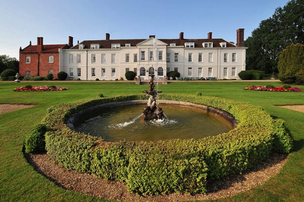The water feature in the beautiful grounds at Gosfield Hall wedding venue in Essex | CHWV