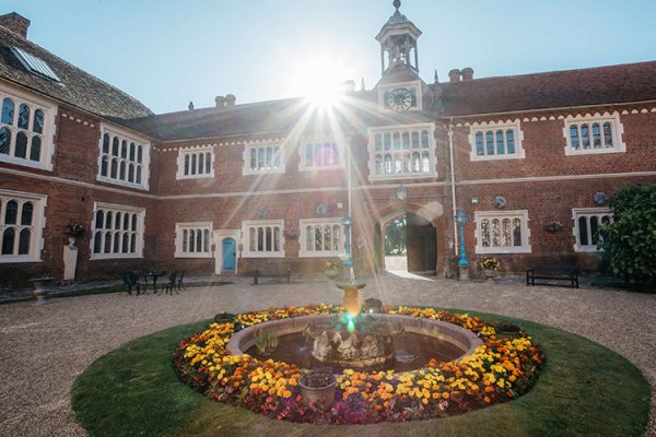 The water feature in the courtyard at Gosfield Hall wedding venue in Essex | CHWV
