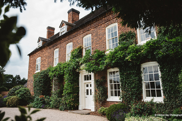 The house at Alrewas Hayes wedding venue in Staffordshire | CHWV