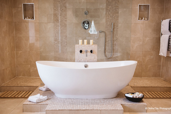 Luxurious bathroom in the accommodation at Alrewas Hayes wedding venue in Staffordshire | CHWV