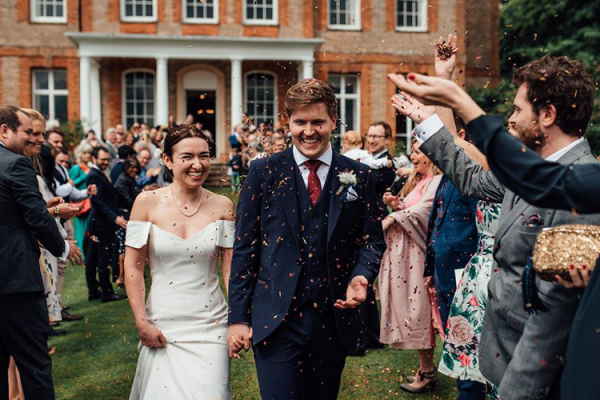 Confetti celebration at Ardington House wedding venue in Oxfordshire | CHWV
