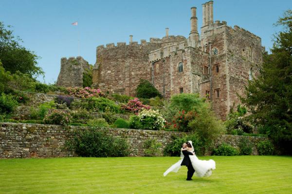 Castle Wedding Venues: Medieval Castle Wedding Venue In Gloucestershire