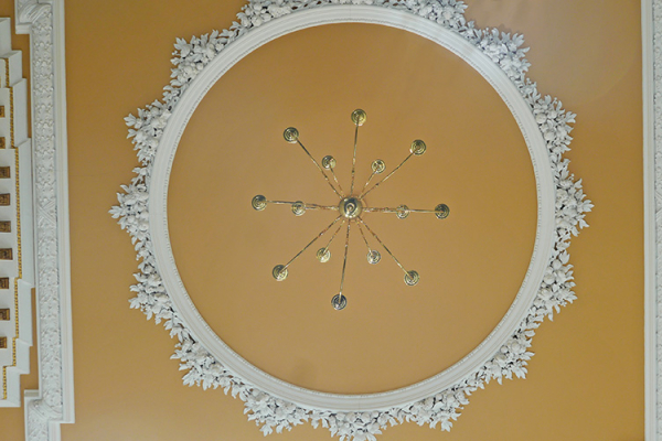 Detail in the ceilings at Bourton Hall mansion wedding venue in Warwickshire | CHWV