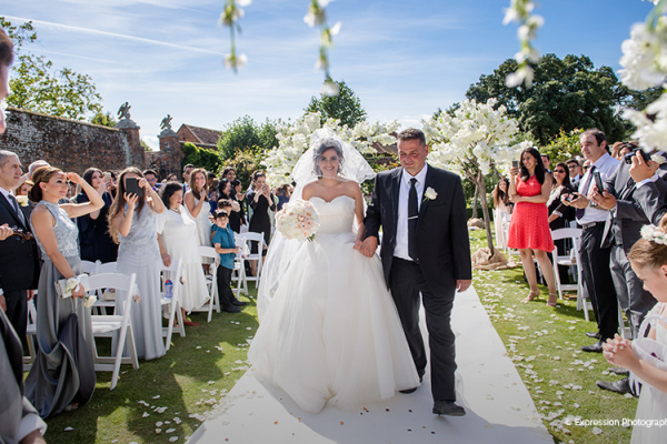 A happy couple just married at Braxted Park wedding venue in Essex | CHWV