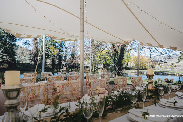 Outdoor wedding reception at Brinsop Court country house wedding venue in Herefordshire | CHWV