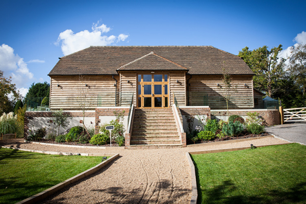 Brookfield Barn wedding venue in West Sussex on a lovely sunny day | CHWV