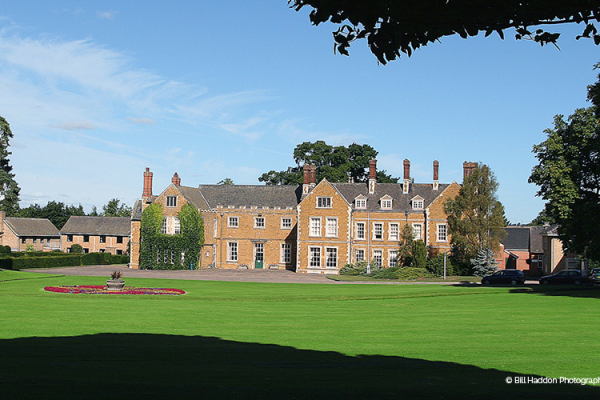Brooksby Hall wedding venue in Leicestershire | CHWV