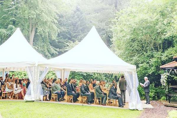 Outdoor wedding ceremony at Eshott Hall wedding venue in Northumberland | CHWV