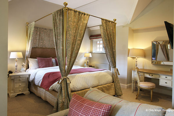 Accommodation at The Five Arrows wedding venue in Buckinghamshire | CHWV