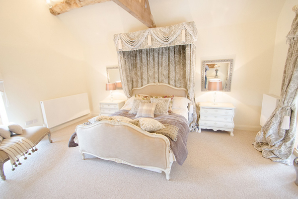 The bridal suite at Gorcott Hall wedding venue in Worcestershire | CHWV