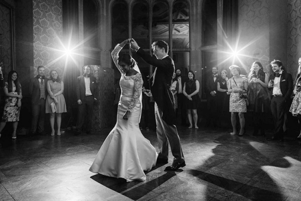 A couples first dance at Grittleton House wedding venue in Wiltshire | CHWV
