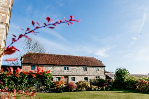 Hendall Manor Barn wedding venue in East Sussex | CHWV