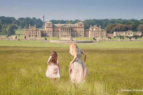 A view of Holkham Hall and it's beautiful grounds in Norfolk | CHWV