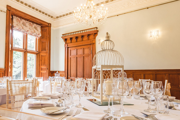 Table Decorations at Holmewood Hall | Wedding Venues Cambridgeshire