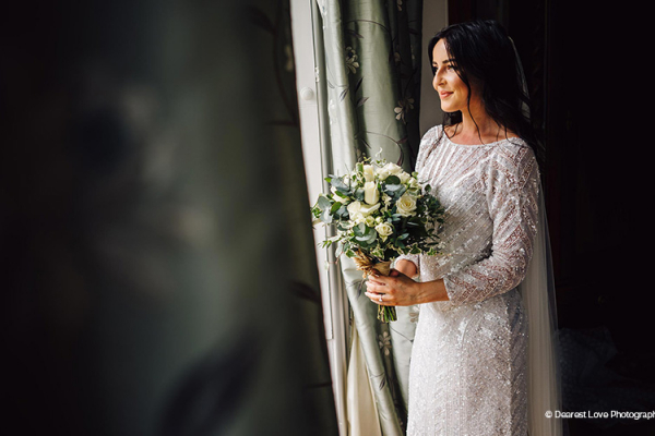 A bride ready in the bridal suite at Homme House wedding venue in Herefordshire | CHWV