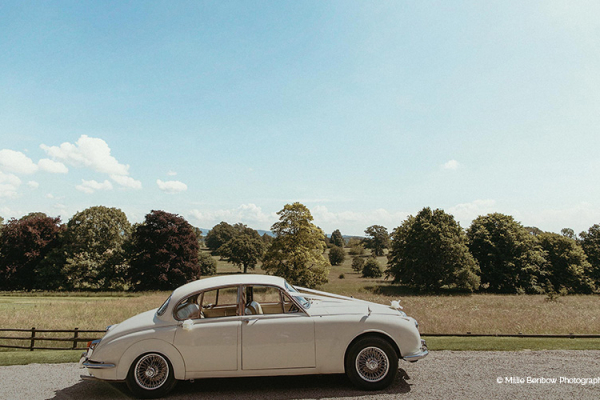 Wedding transport at Homme House wedding venue in Herefordshire | CHWV