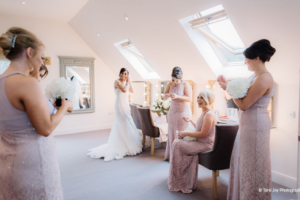 Bridal Changing Suite at Hyde House and Barn wedding venue in Gloucestershire | CHWV