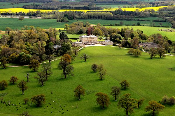 An aerial shot of Kirtlington Park wedding venue in Oxfordshire | CHWV