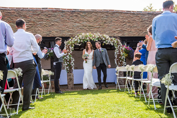 Beautiful outdoor wedding ceremony at Lillibrooke Manor wedding venue in Berkshire | CHWV