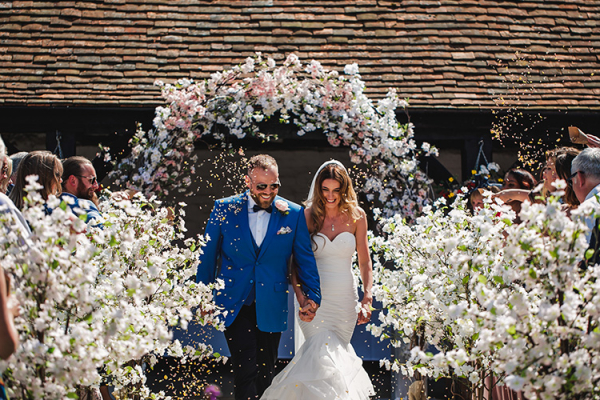 Outdoor Wedding at Lillibrooke Manor | Wedding Venues Berkshire