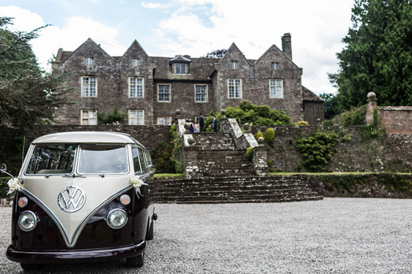 The courtyard outside Llanvihangel Court wedding venue in Monouthshire | CHWV