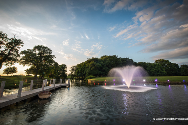 The fountain at Merrydale Manor wedding venue in Cheshire | CHWV