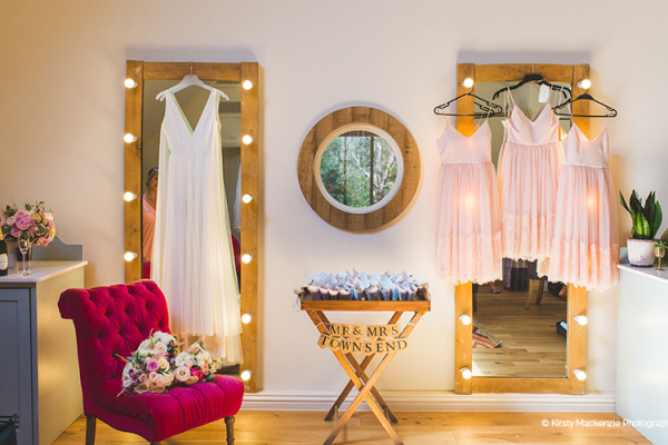 The Loft bridal preparation at Miillbridge Court wedding venue in Surrey | CHWV