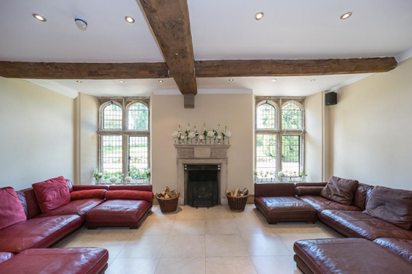 A comfortable reception room at Notley Abbey wedding venue in Buckinghamshire | CHWV