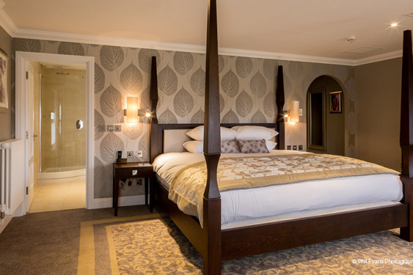 Accommodation at Oakley Hall Hotel in Hampshire