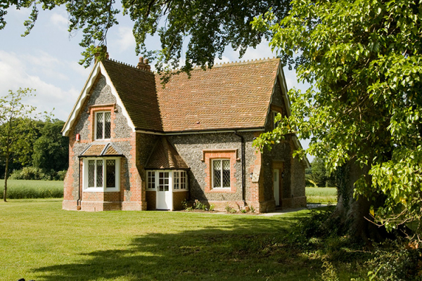 Garden Cottage accommodation at Oakley Hall in Hampshire | CHWV