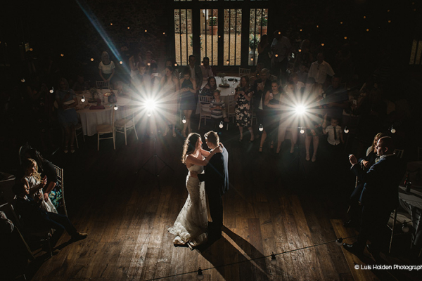 Romantic first dance at Oxnead Hall wedding venue in Norfolk | CHWV