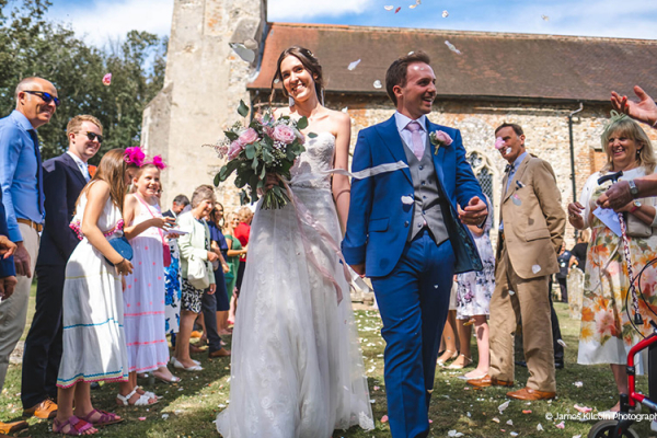 Just married confetti at Oxnead Hall wedding venue in Norfolk | CHWV