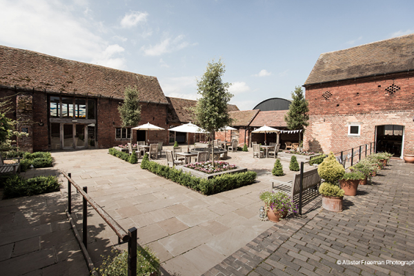 Packington Moor barn wedding venue in Staffordshire