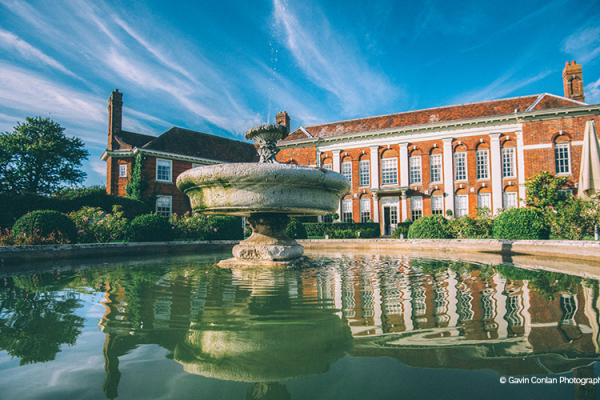 The water feature in the grounds at Parklands wedding venue in Essex | CHWV