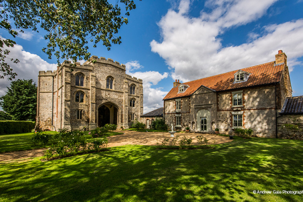 Pentney Abbey wedding venue in Norfolk | CHWV