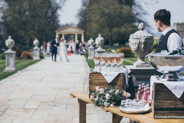 Reception drinks await the happy couple at Rowton Castle wedding venue in Shropshire | CHWV