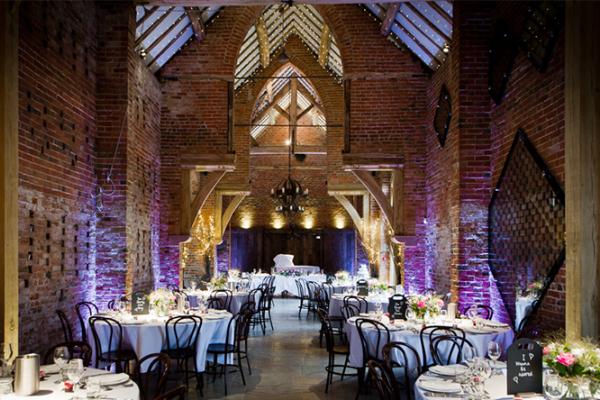 Barn Wedding Venues: Rustic Wedding Venue In Warwickshire